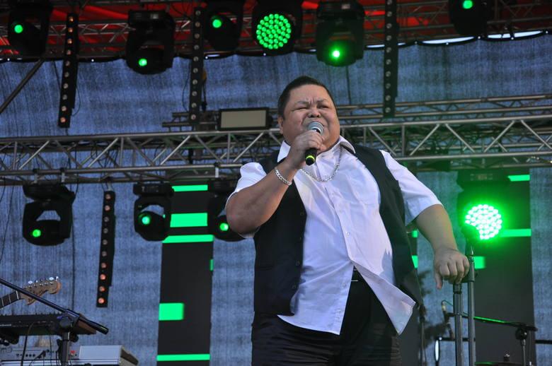 W nastrojowy klimat publiczność wprowadził Conrado Yanez.