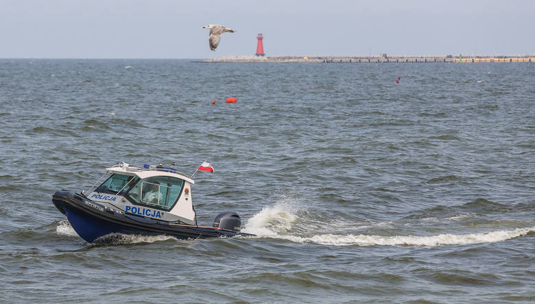 Tragiczne wiadomości znad polskiego morza. Wczoraj dwóch mieszkańców Grudziądza zaginęło na Mierzei Wiślanej. Jak informuje TVN 24 jednego z nich wyłowili