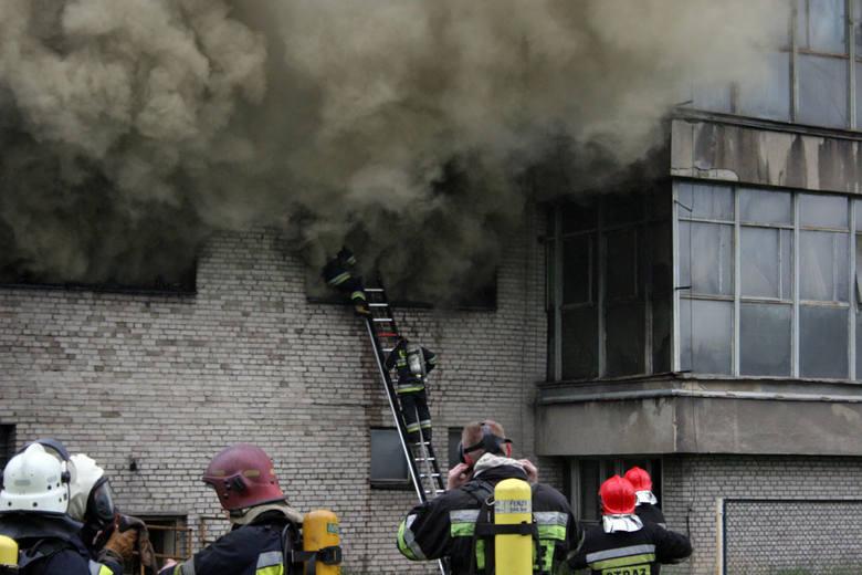 Pożar budynków po Tonsilu we Wrześni.