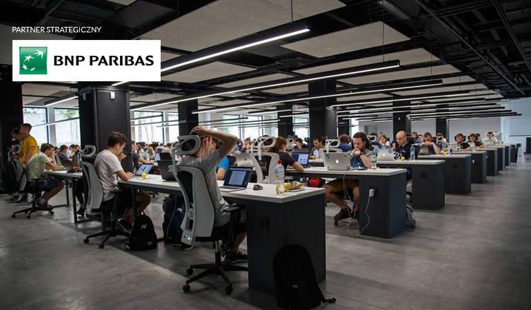 Tarcza Antykryzysowa - trzy odsłony, miliardy wsparcia dla gospodarki, ratunek dla małych firm