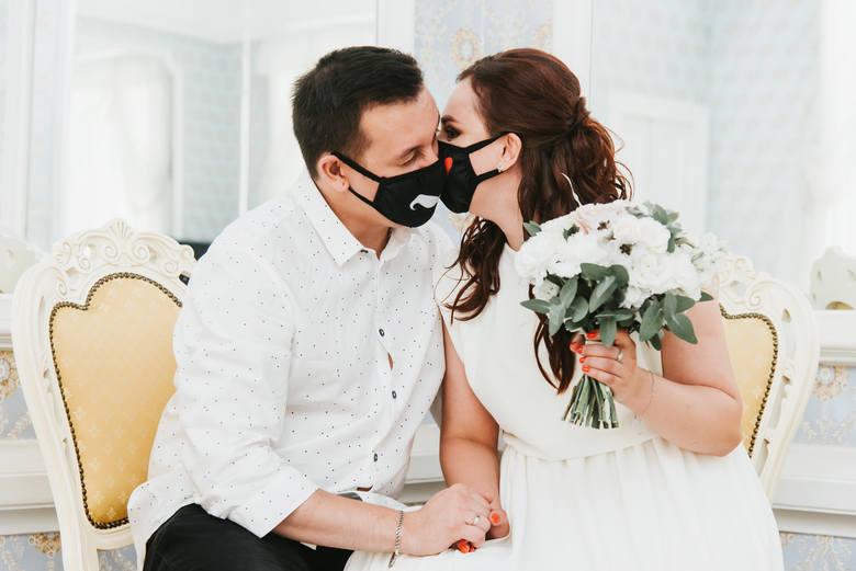 Część par zdecydowała się na na sam ślub, bez wesela.