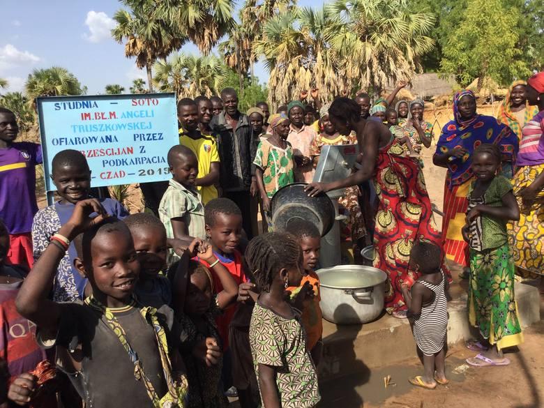 Studnię w Soto w afrykańskim Czadzie wybudowano dzięki pieniądzom ze zbiórek makulatury, przekazanych przez mieszkańców Podkarpacia. Nosi imię bł. Marii