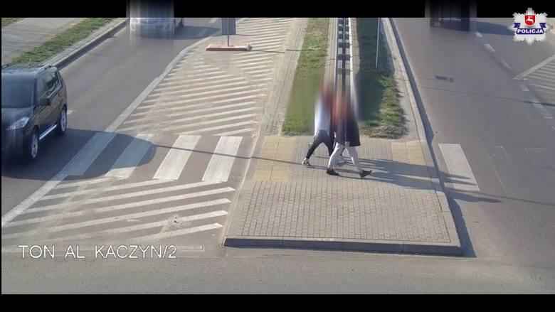 Potrącenie czterech nastolatek na przejściu dla pieszych. Film ukazuje sceny, które mrożą krew w żyłach [NAGRANIE Z MONITORINGU]