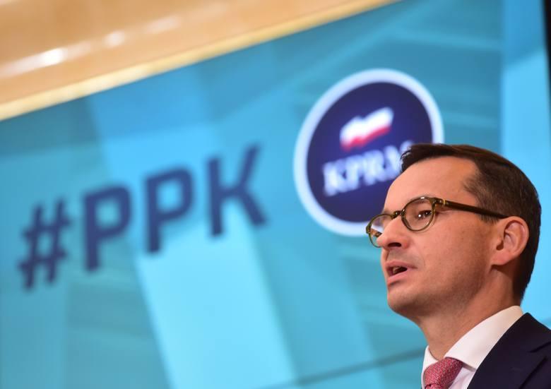 - Przyjęliśmy kolejny program prospołeczny, który przyczyni się do bezpieczeństwa finansowego polskich rodzin - mówił premier podczas konferencji po
