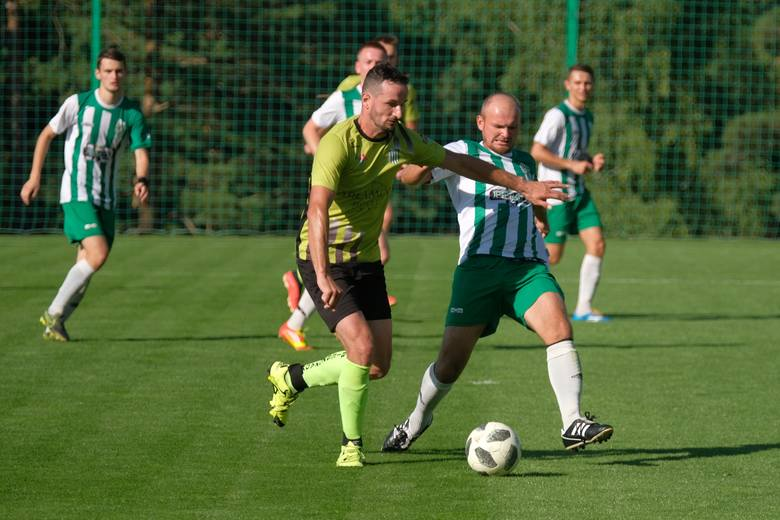 W pierwszej kolejce nowego sezonu krośnieńskiej okręgówki MKS Arłamów Ustrzyki Dolne zremisował na Arłamów Arena z Przełęczą Dukla 2:2 (1:1). Bramki: