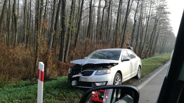 We wtorek, około godz. 9 DK63 w okolicach miejscowości Zbrzeźnica doszło do wypadku.