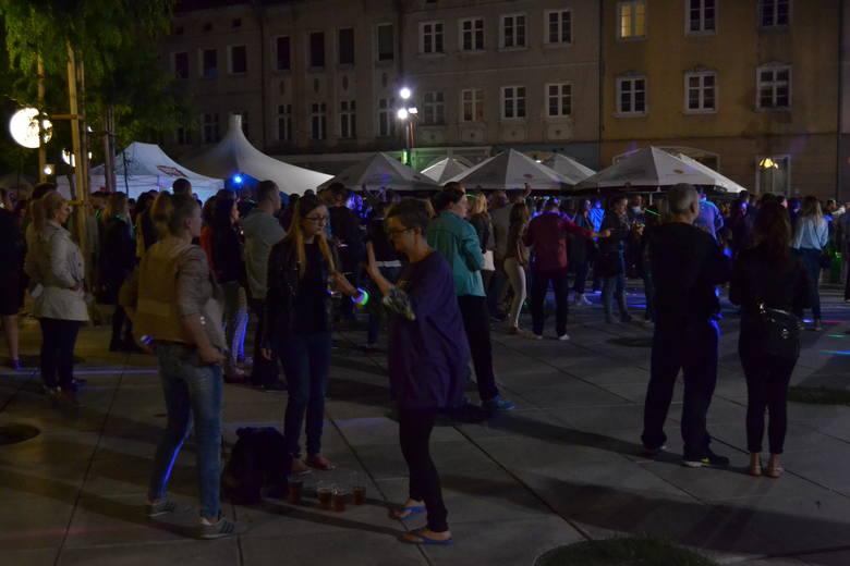 Klubowa impreza pod chmurką zamknęła cykl wydarzeń około festiwalowych.  – Liczymy na powtórkę za rok – mówili uczestnicy imprezy.Impreza rozpoczęła