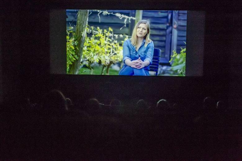 """W niedzielę 17 listopada film """"Polska Toskanie"""" mogli zobaczyć widzowie w poznańskim kinie """"Muza"""" w ramach prezentacji """"Kino i Wino""""."""