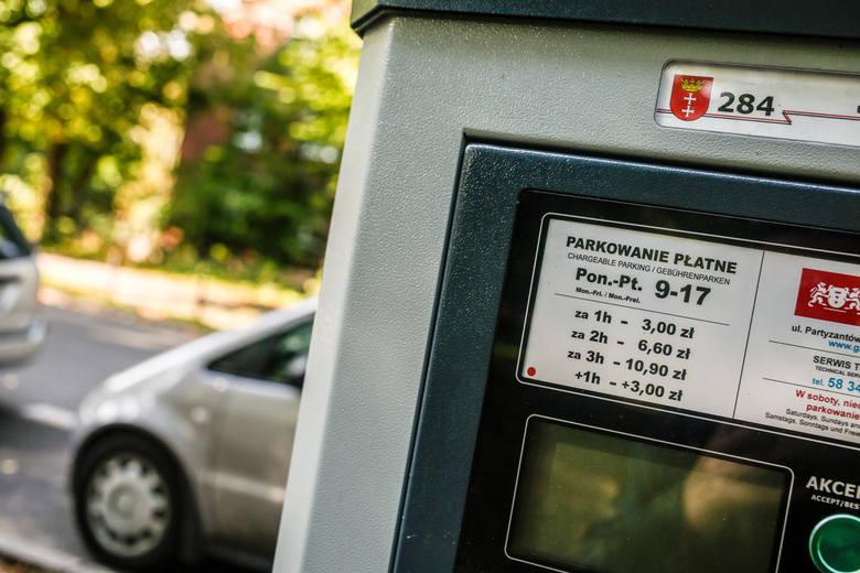Droższe parkowanie - co oni zrobią z naszymi pieniędzmi? [FELIETON SŁAWOMIRA SOWY]