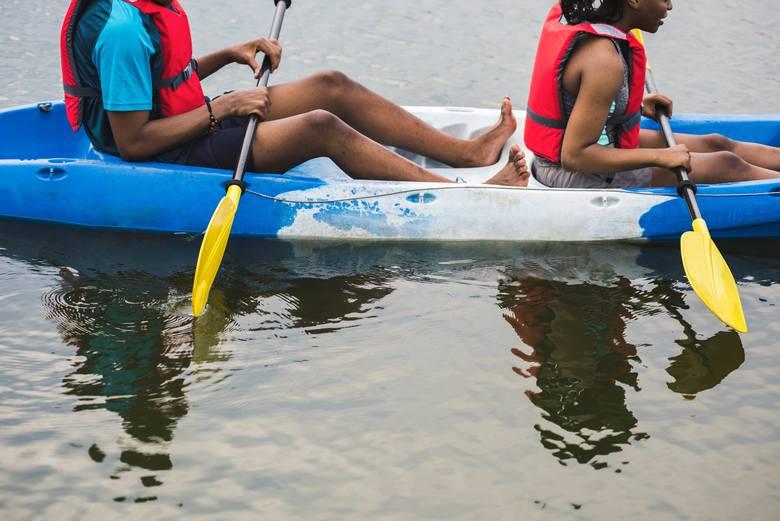 TOP 12 sportów wodnych, które musisz przetestować w te wakacje
