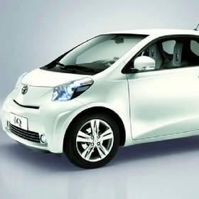 Toyota IQ jest mniejsza niż aygo i yaris - poniżej 3 metrów długości.