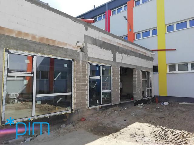Trwają prace dekarskie przy budowie nowoczesnej sali gimnastycznej na Głuszynie. Obiekt sportowy ma zostać oddany do użytku dzieci i młodzieży z Wielkopolski w kwietniu 2020 roku.
