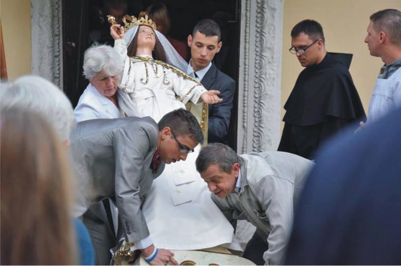 Każdego roku Wielki Odpust w Kalwarii Pacławskiej gromadził tłumy wiernych (zdjęcie archiwalne). W tym roku, z powodu koronawirusa, uroczystości są o