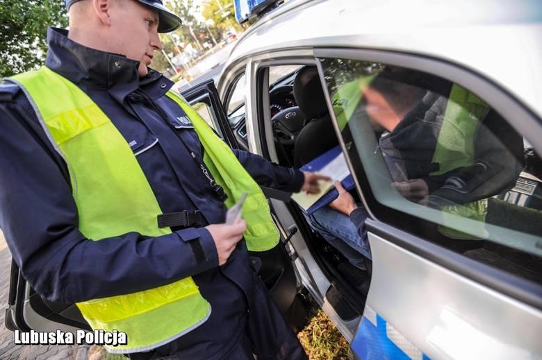 3. Czynna napaść na policjanta zabezpieczającego Pol'And'Rock Festival: 1 sierpnia o godzinie 20.15, 36-letni mężczyzna napadł na policjanta drogówki,