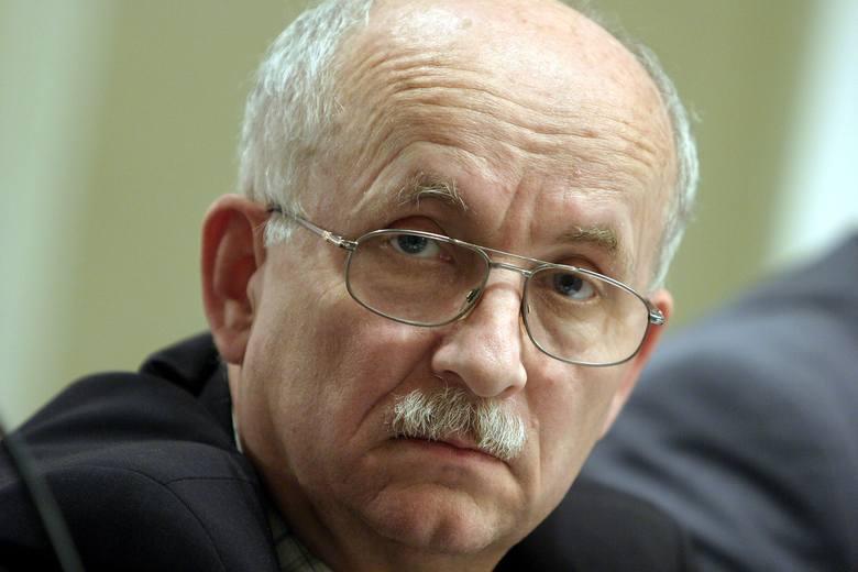 Prezesem Stalexportu jest Emil Wąsacz, b. minister skarbu. To sprzyja spiskowym teoriom