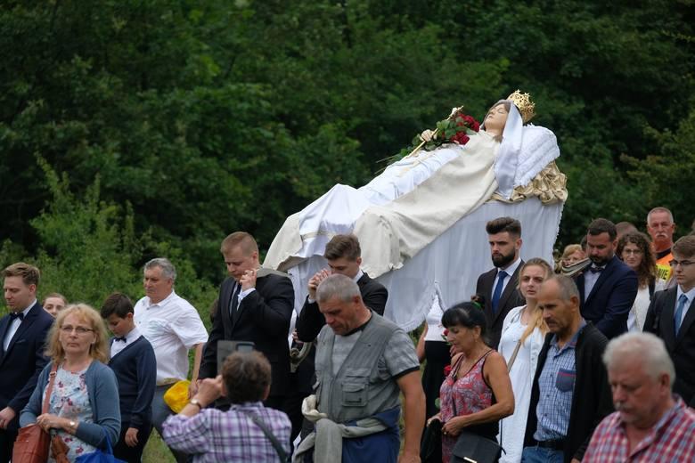 W Kalwarii Pacławskiej k. Przemyśla trwa Wielki Odpust. Jego najbardziej widowiskowa część - Nabożeństwo Dróżek Pogrzebu i Wniebowzięcia Matki Bożej