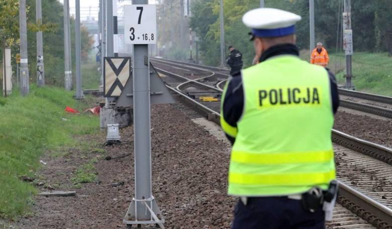 Nie żyje 30-letni mężczyzna potrącony w sobotę (16 czerwca) przez pociąg pośpieszny. Do tragedii doszło w miejscowości Gajewo (pow. świecki). Sprawę