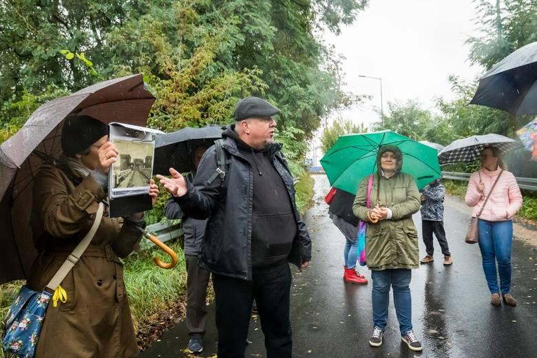 W niedzielę (27.09.) wczesnym popołudniem z ul. Bydgoskiej wyruszyła wycieczka, której przewodniczył Damian Amon Rączka ze Stowarzyszenia Miłośników