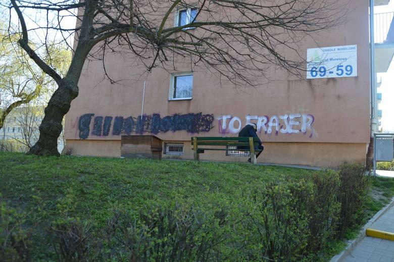 Napisy zniszczyły elewację wielu budynków w Zielonej Górze