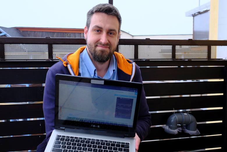 Bartosz Szymański, radny z Torunia, od grudnia w obywatelskiej sieci Luftdaten.