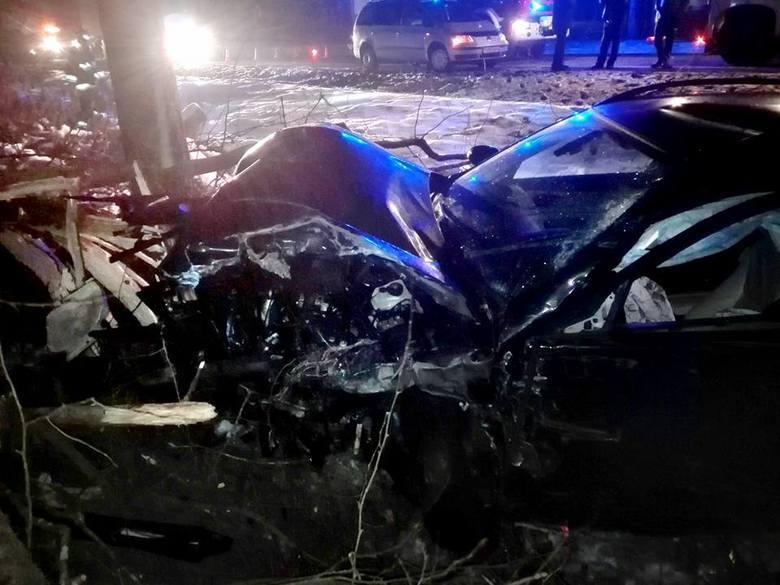 Do tego wypadku doszło na DK 19 niedaleko miejscowości Ruda Rzeczka. Na drodze Białystok-Sokółka 20-letni kierowca opla wjeżdżając na wzniesienie zauważył