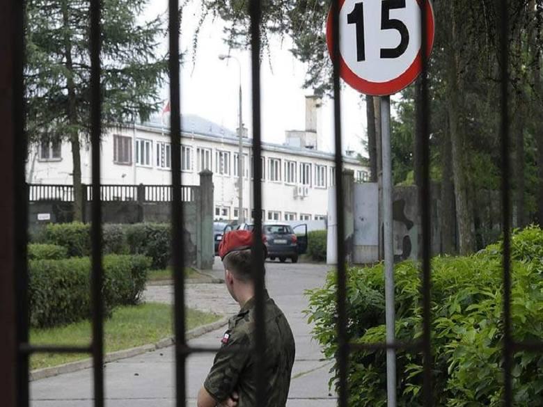 Dwaj mężczyźni ponieśli śmierć w jednostce wojskowej w Osówcu.