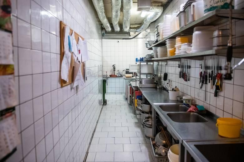 Kucharze, kelnerzy, barmani, menedżerowie, dostawcy jedzenia  nie chcą zostać zaskoczeni, jak dwa tygodnie temu. Nie robią odległych planów. Nie mogą
