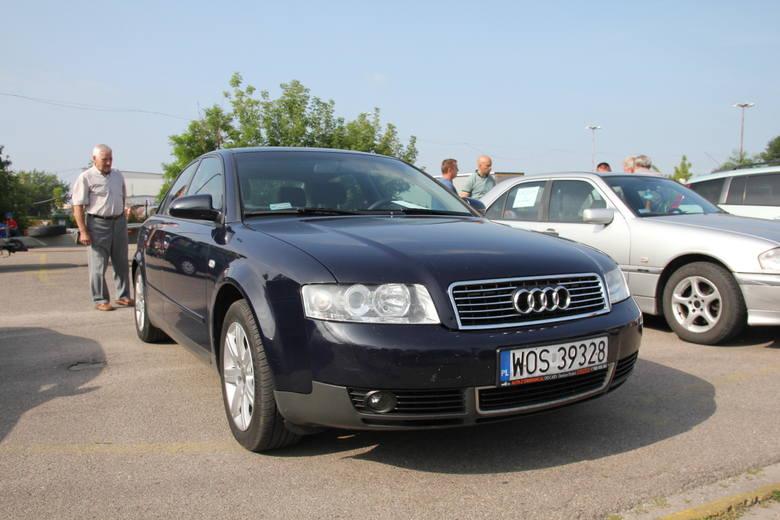 Audi A4, 2003 r., 1,9 TDI, klimatronic, ABS, ESP, tempomat, komputer pokładowy, 18 tys. 500 zł;