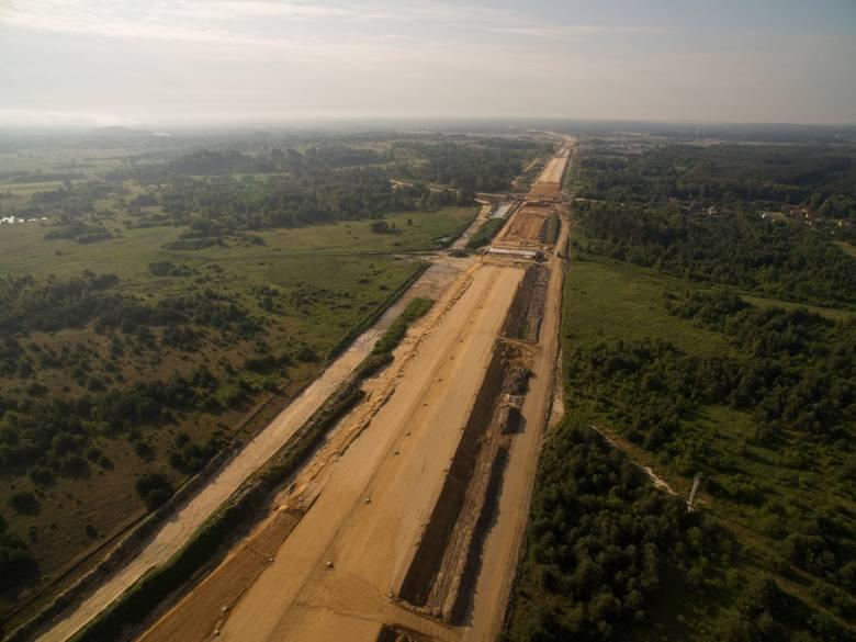 Zdjęcia lotnicze z budowy odcinka pomiędzy Rząsawą a Blachownią (18 czerwca 2018 roku)