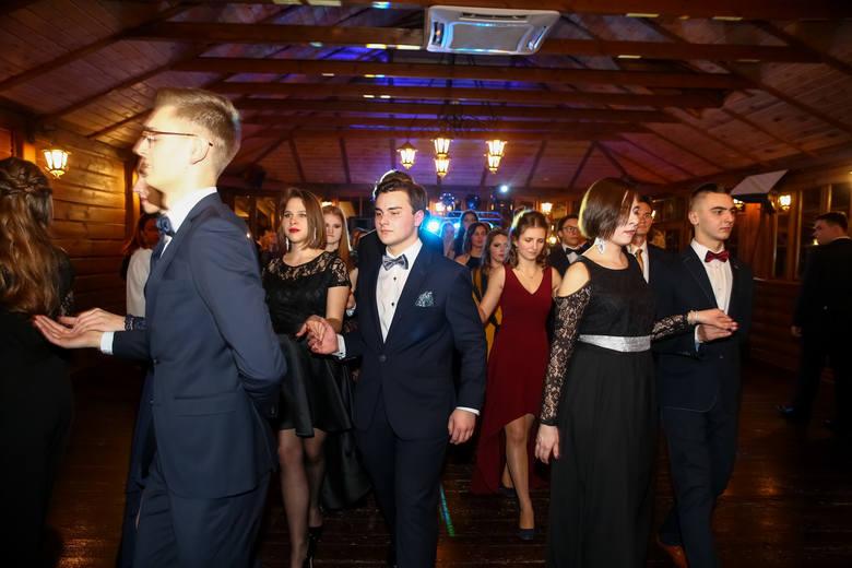 Studniówki 2019. Tak bawili się uczniowie XVII LO w Krakowie