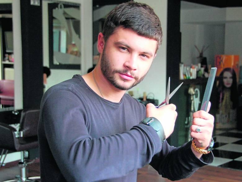 Wojciech Jewuła: - Dotacja z urzędu pracy pomogła mi zrealizować moje marzenie. Mam teraz 22 lata i trzy własne zakłady fryzjerskie. Sam daję pracę i