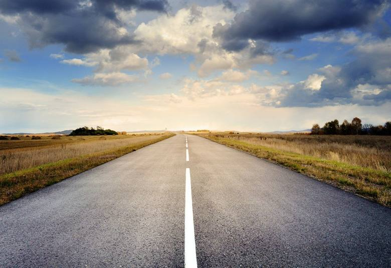 Nowe autostrady, drogi ekspresowe oraz obwodnice wciąż są w budowie. W 2020 roku udostępnionych ma zostać 12 tras o łącznej długości 116,8 km. Drogi,