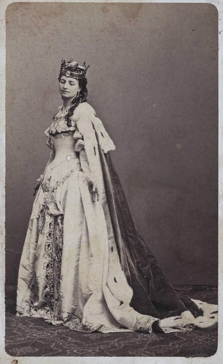 """Helena Modrzejewska w roli tytułowej w """"Królowej Jadwidze"""" Józefa Szujskiego, Walery Rzewuski (1837-1888)"""