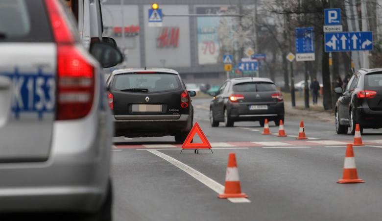 15.02.2019 rzeszow wypadek drogowy potracenie pieszego na pasach policja fot krzysztof kapica