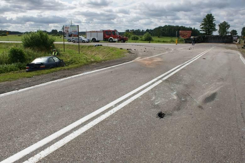 Ze wstępnych ustaleń policji wynika, że kierujący bmw wyjeżdżając z drogi podporządkowanej, prawdopodobnie nie ustąpił pierwszeństwa przejazdu ciężarówce