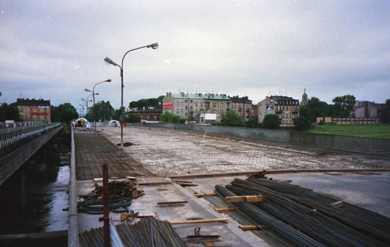 ...generalnego remontu Mostu Dębnickiego w 1998 roku.