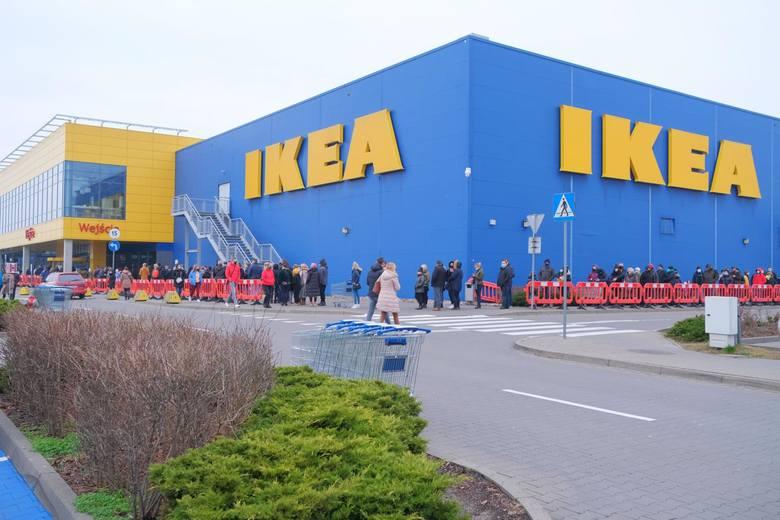 Czy wiesz, z jakiego kraju pochodzą te sieci handlowe?IKEA - sklepy z meblami i wyposażeniem wnętrzNo cóż, że ze Szwecji? Chyba mało kto nie wie, że