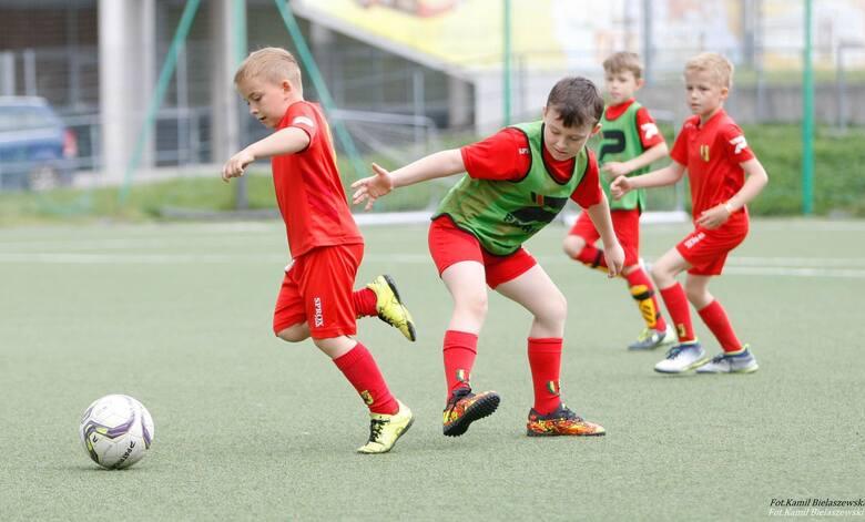 W sobotę, 5 czerwca, odbył się III i IV Turniej Żaka Młodszego 2013 w Grupie Licencyjnej D w ramach rozgrywek dziecięcych Świętokrzyskiego Związku Piłki