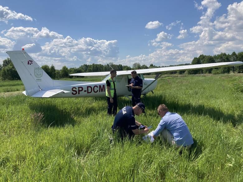 Samolot z Chełma lądował awaryjnie w województwie świętokrzyskim. Jaka była przyczyna?