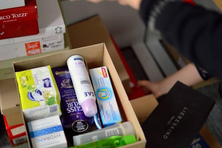 Zebrane kosmetyki trafią do kobiet z ośrodków interwencji kryzysowej, domów samotnej matki, hospicjów czy podopiecznych ośrodków pomocy społecznej.