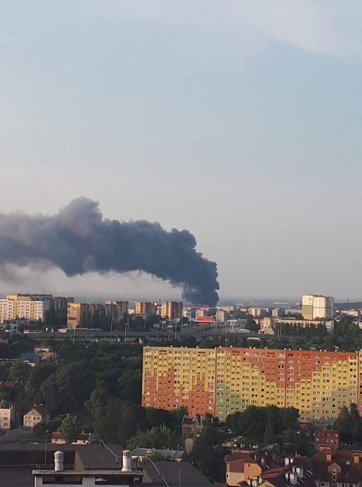 Pożar hali na Trakcie św. Wojciecha w Gdańsku Oruni 26.06.2019
