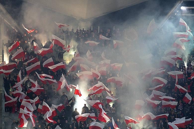 Patriotyczne oprawy kibiców: Święto Niepodległości, Powstanie Warszawskie, Żołnierze Wyklęci [ZDJĘCIA]