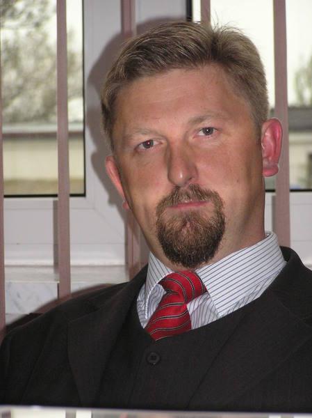 Adam Mróz nie zamierza kandydować na burmistrza, jeśli w wyborach wystartuje jego obecny przełożony, ale także kolega, Grzegorz Nowosielski