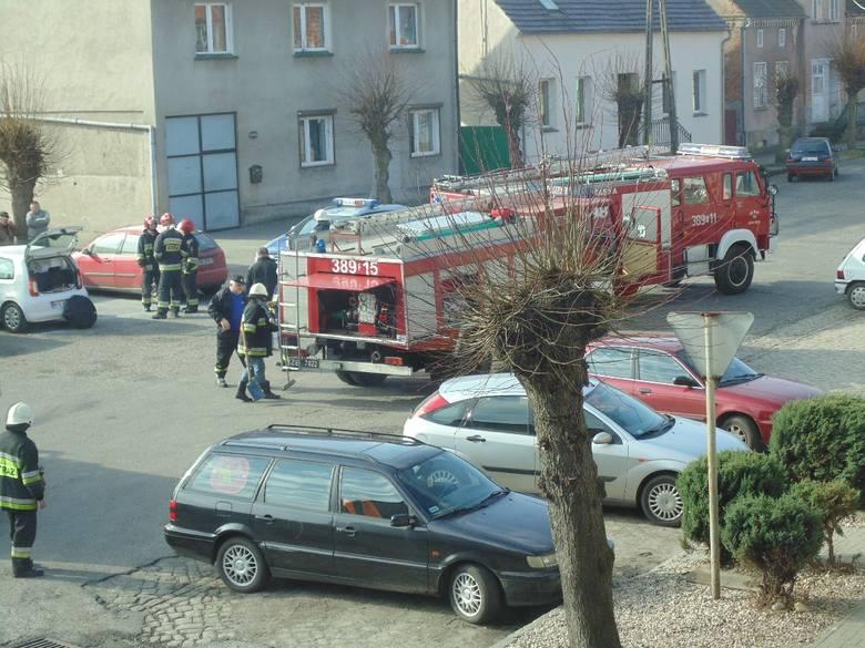 W piątek, 11 marca ok. godz. 9 rano na rynku w Konotopie w gminie Kolsko zapaliło się auto osobowe. Informację i zdjęcia przysłał nam Czytelnik.- Auto