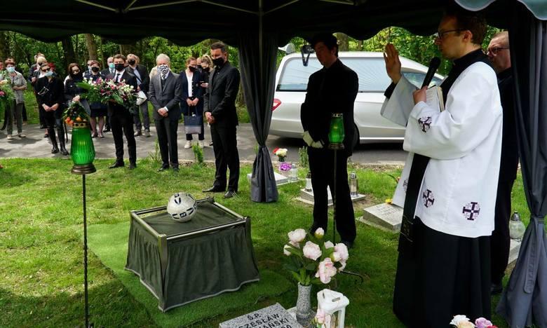 W piątek na Miłostowie odbył się pogrzeb Jerzego Gołaszewskiego. W ostatniej drodze znanego wykładowcy z poznańskiej AWF i wychowawcy wielu pokoleń znamienitych