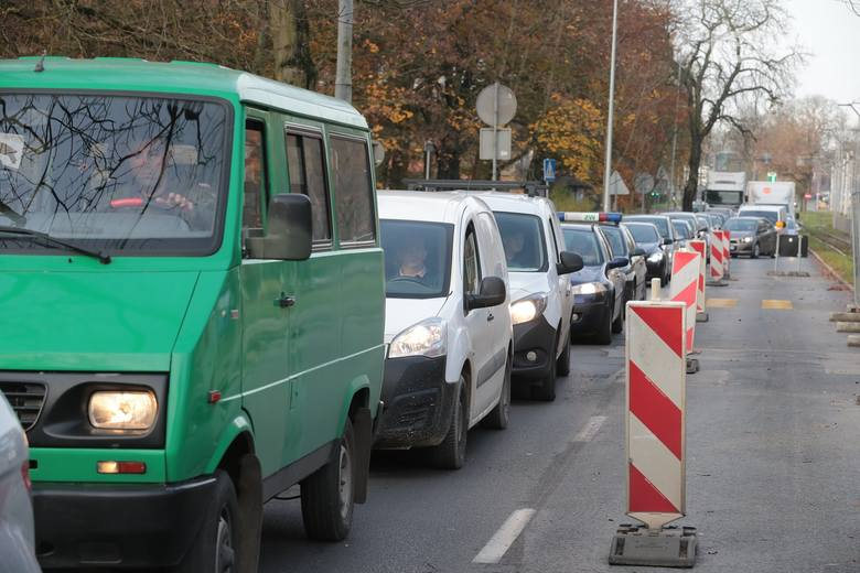 Budowa węzła Łękno. Zmiany na Wojska Polskiego w Szczecinie - 8.11.2019 [ZDJĘCIA, WIDEO]