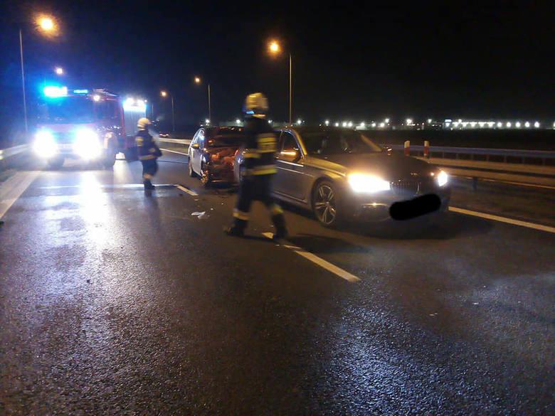 Wypadek na DK35 Wrocław - Świdnica (ZDJĘCIA)