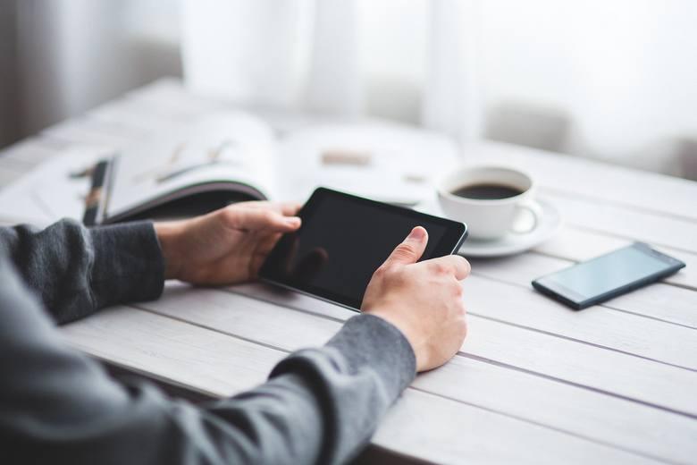 Koniec służbowych rozmów telefonicznych i e-maili jest już bliski. Co je zastąpi?