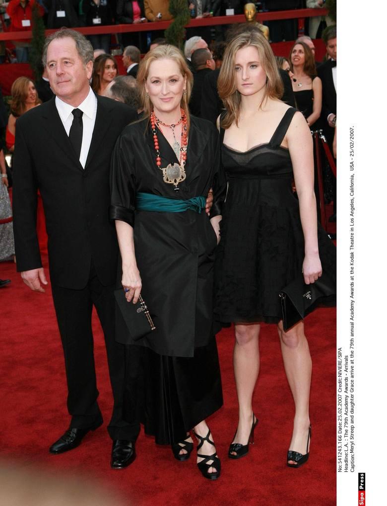 Meryl Streep z mężem Donem Gummerem i córką Grace Gummer na 79. gali wręczenia Oscarów w 2007 r.
