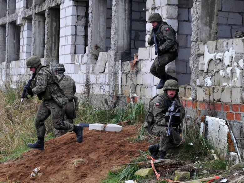 Szczecińscy żołnierze ćwiczyli z AmerykanamiW ramach poligonu żołnierze doskonalą umiejętności w kierowaniu ogniem i strzelania w terenie. 7 BOW, czyli